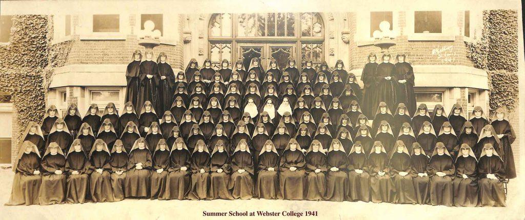 Photo of Summer school class in 1941