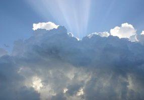 clouds-414199_1920